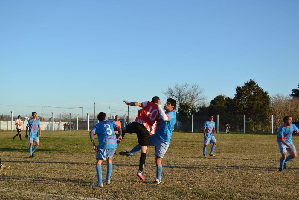 Rivadavia venció a O´Higgins 2 a 0 como local y trepó a la cima