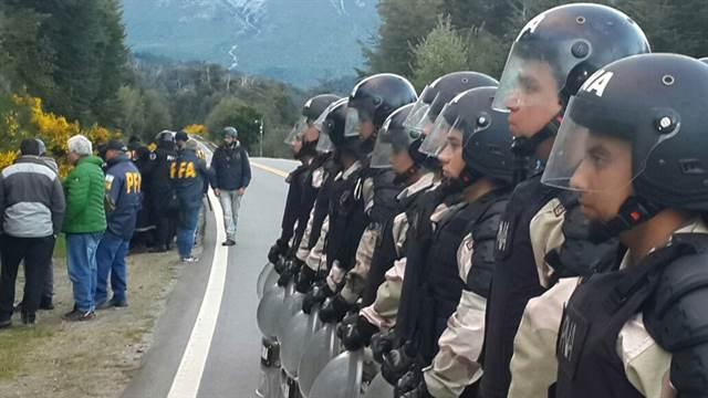gendarmeria represion mapuche bariloche