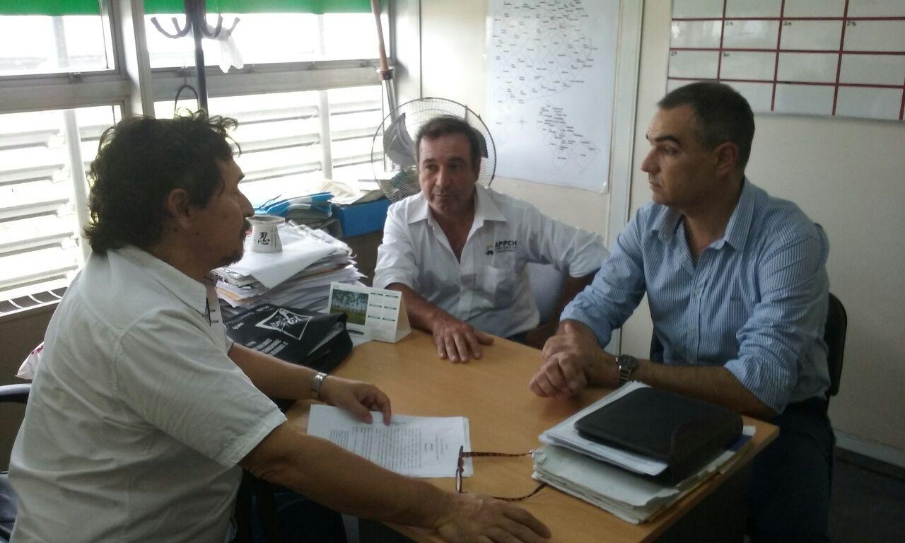 convenio por 500 mil pesos para la asociacion de productores porcinos de chacabuco