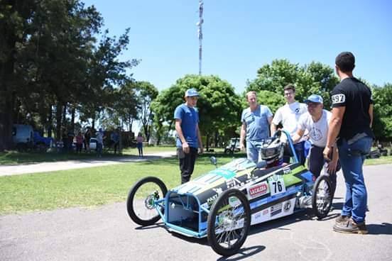 Probaron el auto eléctico en el Kartódromo