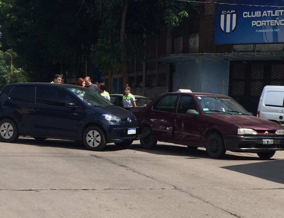 Accidente en la esquina de Porteño