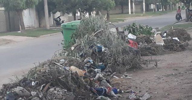Reclamo vecinal por acumulación de basura